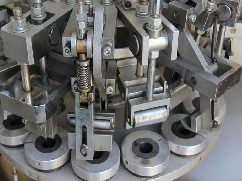 钢本机械分享全自动灌装封尾机安全操作规程